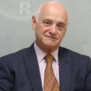 Dr. Luis Augé